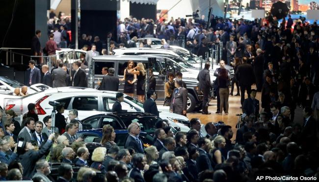 detroit auto show 011215 AP_71013