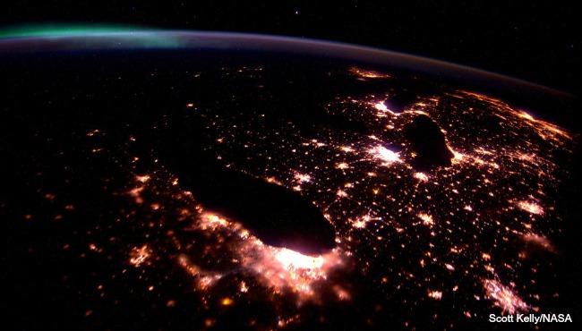 michigan from space NASA Scott Kelly 111615_167758