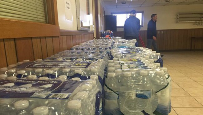 Water donations for flint 011616 b_182795