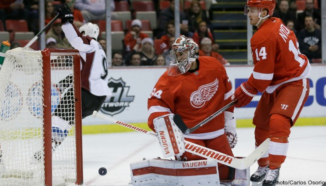 Avalanche Red Wings 021216_190145