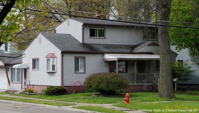 Hazel Park murder attic 050516_211915