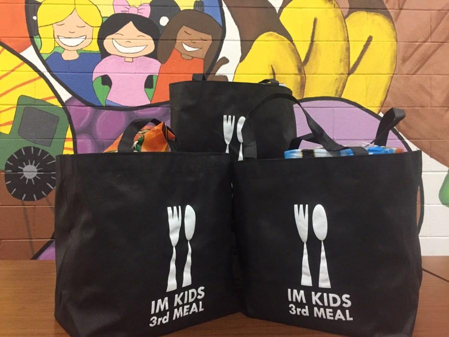 im kids 3rd meal fill a bag drive 120315_31820