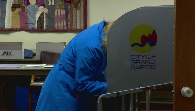 Grand Rapids voting 030816_197742