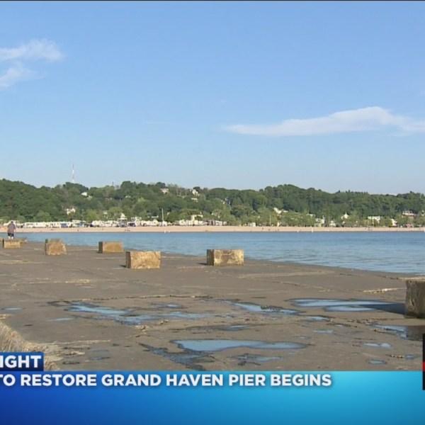 Catwalk hauled away before Grand Haven pier repairs