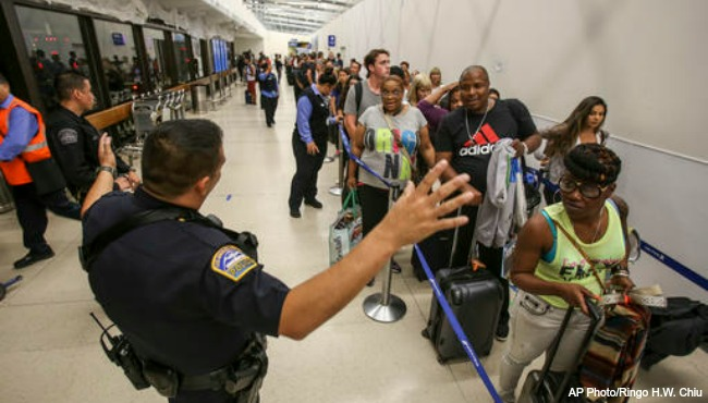 LA Airport false gunman 082916_241043