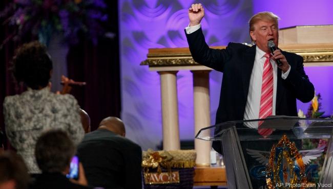 Donald Trump Detroit church 090316_242370