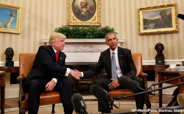 barack-obama-donald-trump-handshake-ap_260054