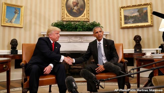 barack-obama-donald-trump-handshake-ap_260054