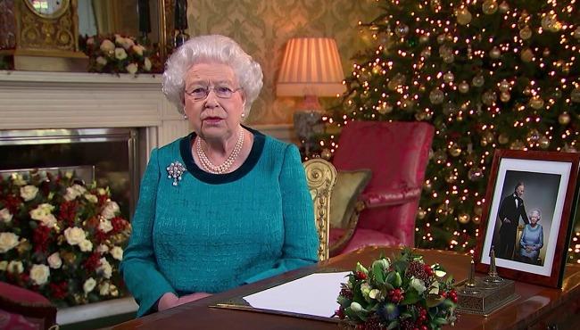 christmas-queen-elizabeth_270462