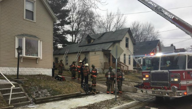 grand rapids-house-fire 012717_278348