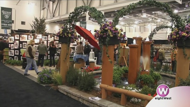 cottage and lakefront living show_308532