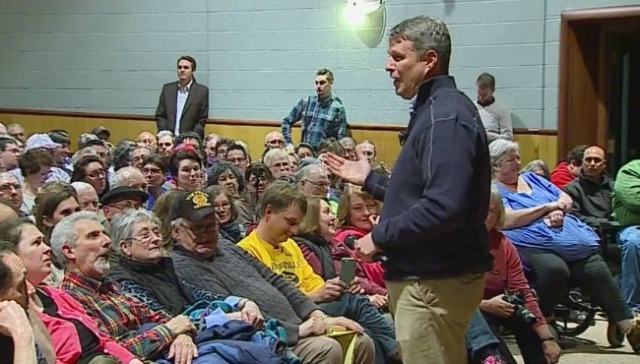 Ethics committee reviewing Huizenga campaign funds