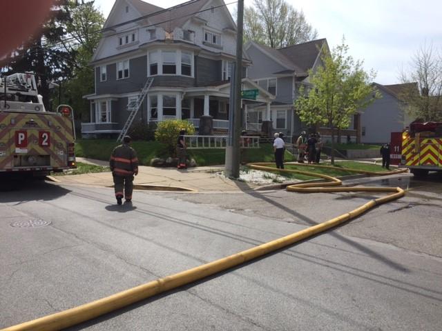 Grand Rapids house fire Kalamazoo Ave 042617_327678