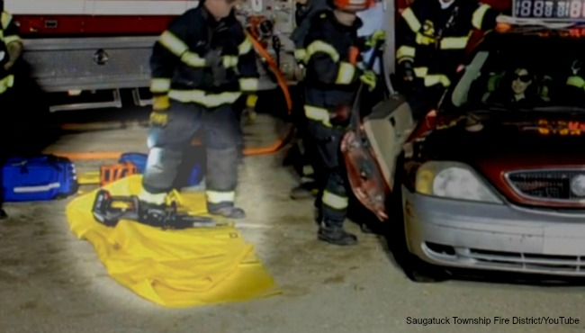 saugatuck township fire extrication tool 041117_319659