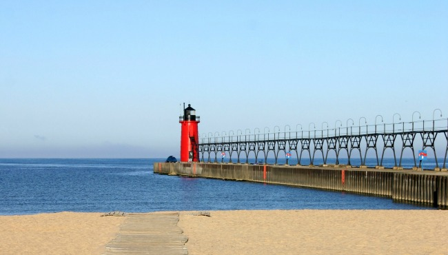 generic-south-haven-lighthouse_253815