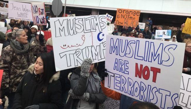 ford-airport-travel-ban-protest-020517_283053