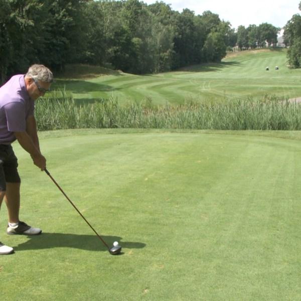 NEWS 5pm Warren Golf 17_385407