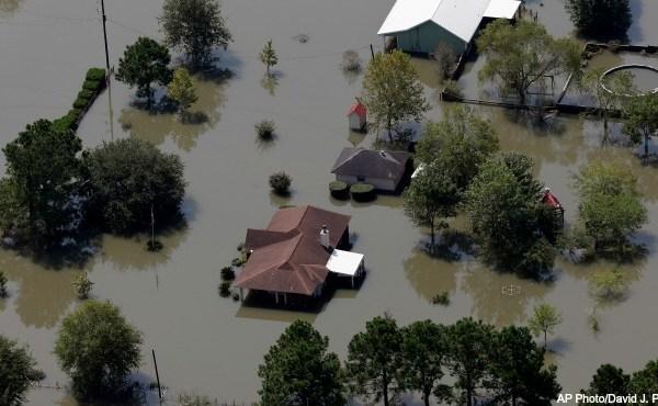 Hurricane Harvey flooding AP 090117_395137