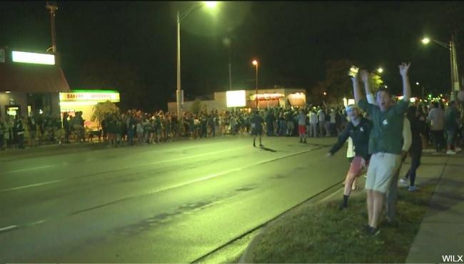 michigan state fans celebrate 100817_413375