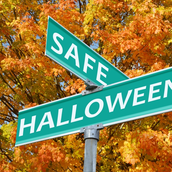 Safe Halloween Street Sign_61643