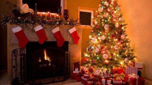 christmas-stockings-fireplace-holiday-christmas-tree_1513899484101_325387_ver1-0_30462887_ver1-0_640_360_451387