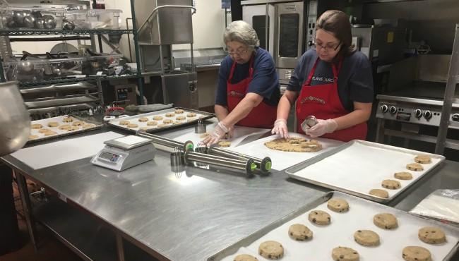 Clara Cookies 122117_450455