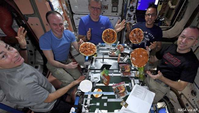 ISS pizza party in space 120417_442657