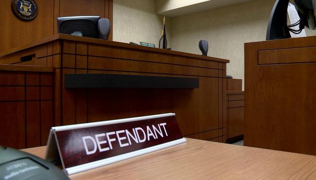 defendant-courtroom-generic_274924