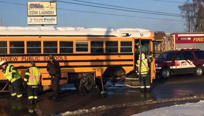 truck vs bus plainfield township 2 010818_457720