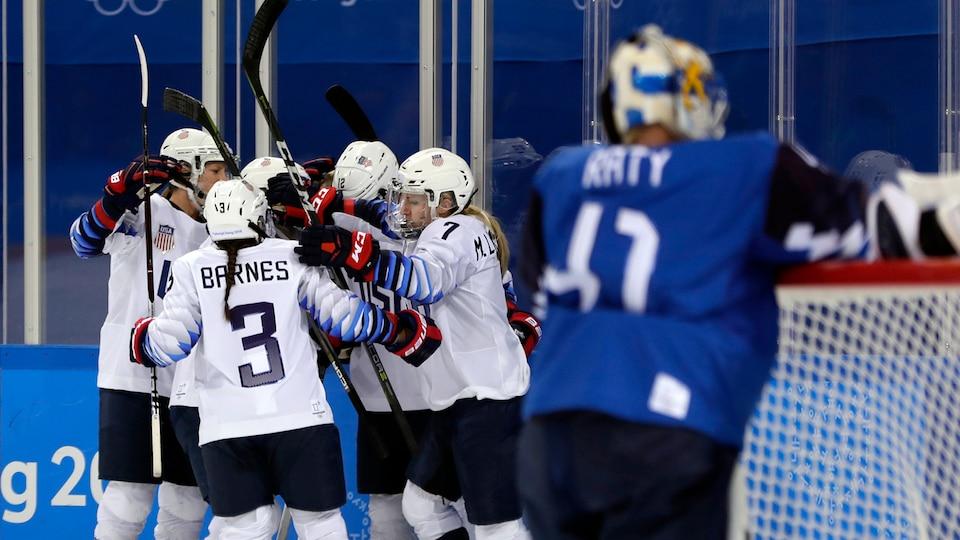 united_states_celebrate_vs-_finland_477506