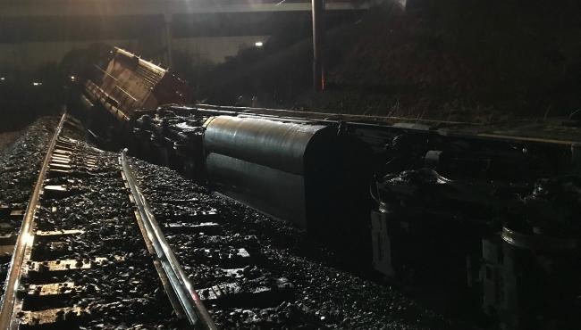 wyoming train derailment 022018_483610