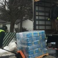 flint-bottled-water-arrives-011617_275487