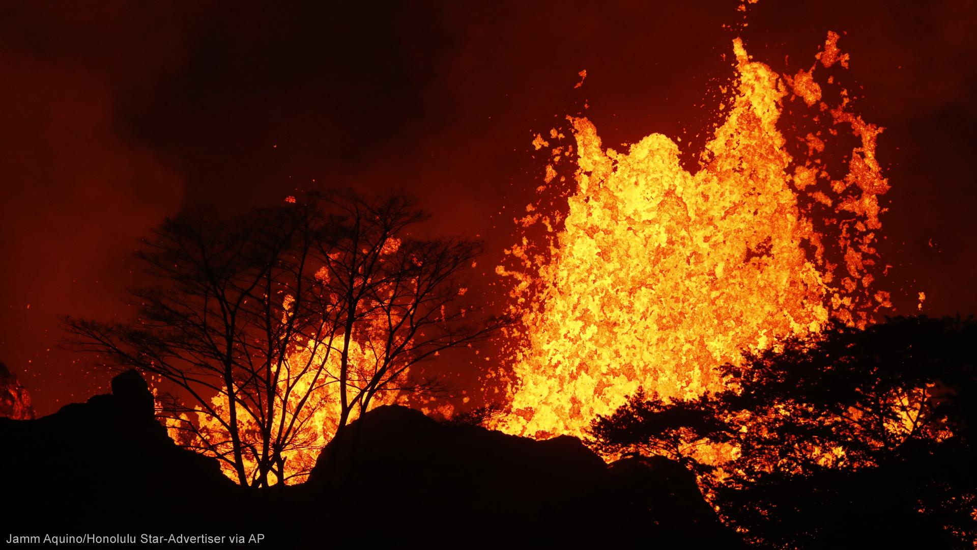 Hawaii volcano lava 051918 AP_1526847463706