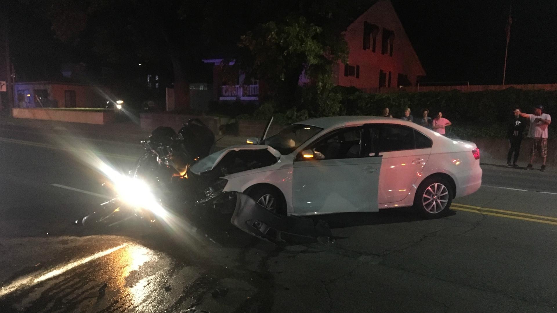 wyoming chicago drive crash 081218_1534130874043.jpg.jpg
