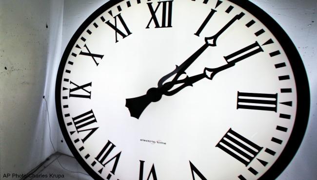generic clock_1521425559836.jpg.jpg