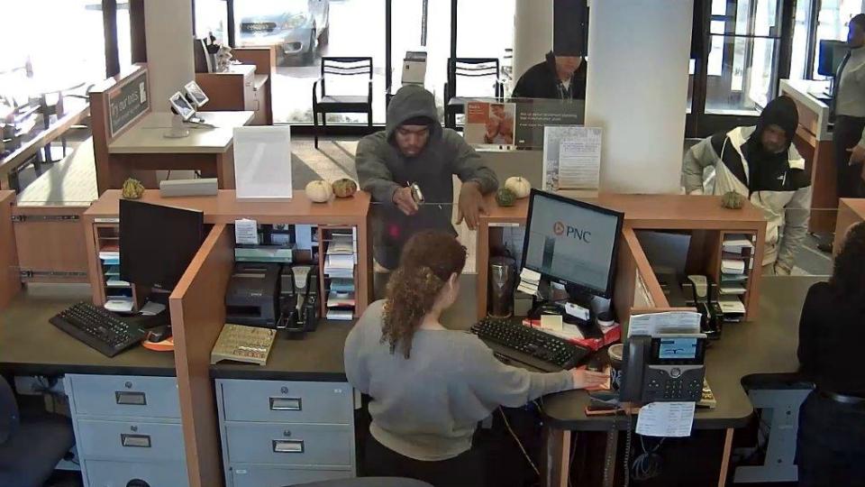 kalamazoo stadium drive pnc bank robbery 113018 4_1543597643236.jpg.jpg