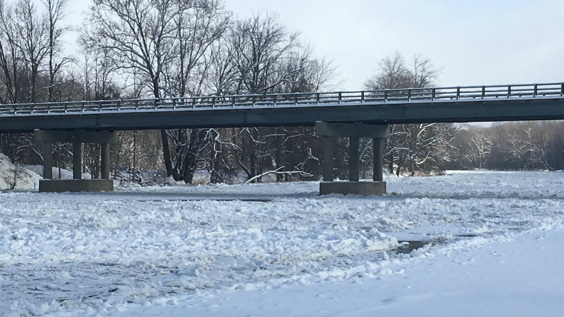 NWS warns of flooding as ice jam clogs Muskegon River