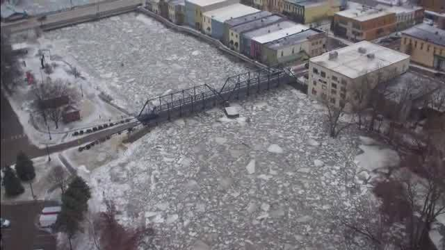 Drone_video__Ice_jam_in_Portland_7_20190206215009