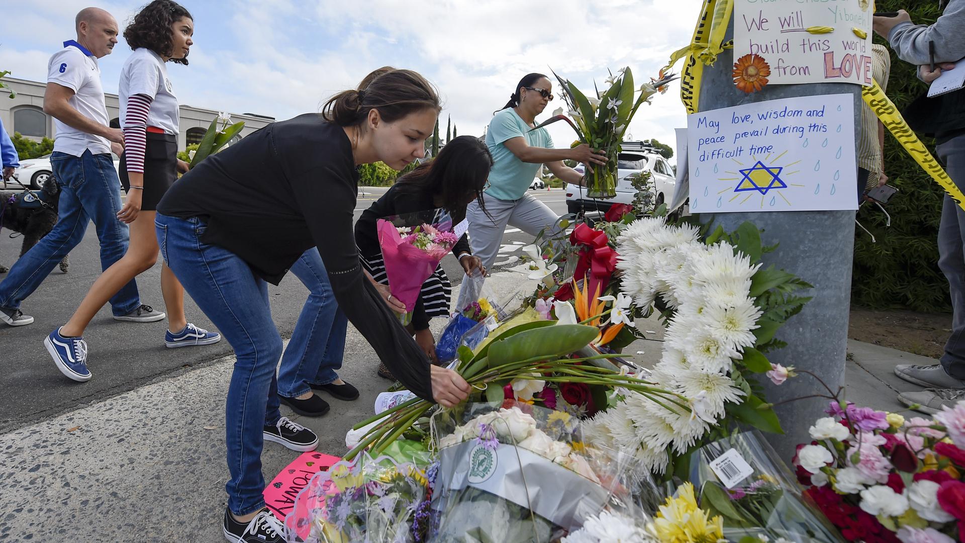 Poway synagogue attack memorial 0421819 AP_1556488226220