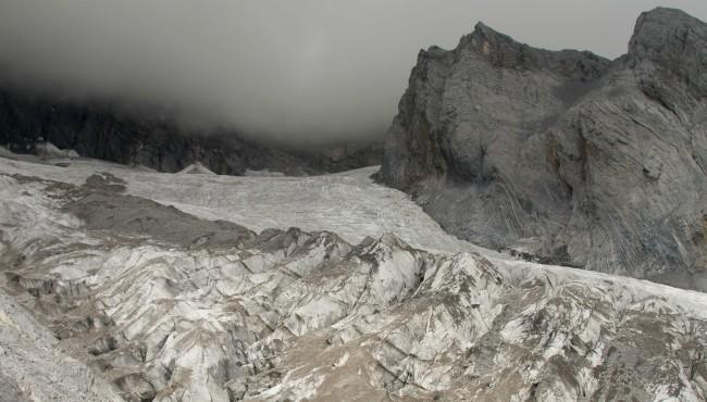 Baishui Glacier No 1 Jade Dragon Snow Mountain China AP 040819_1554771610299.jpg.jpg