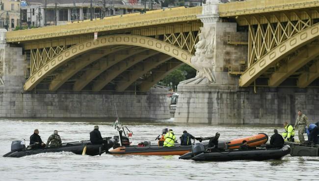 Hungary Boat crash AP 053119_1559292323538.jpg.jpg