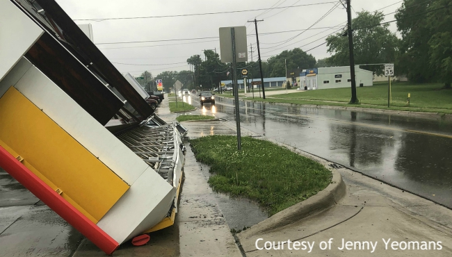 Awning topples over at Mendon gas station | WOODTV com