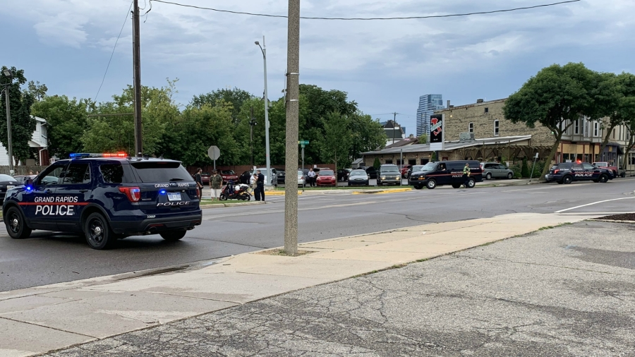 grand rapids alpine avenue and stocking avenue moped crash