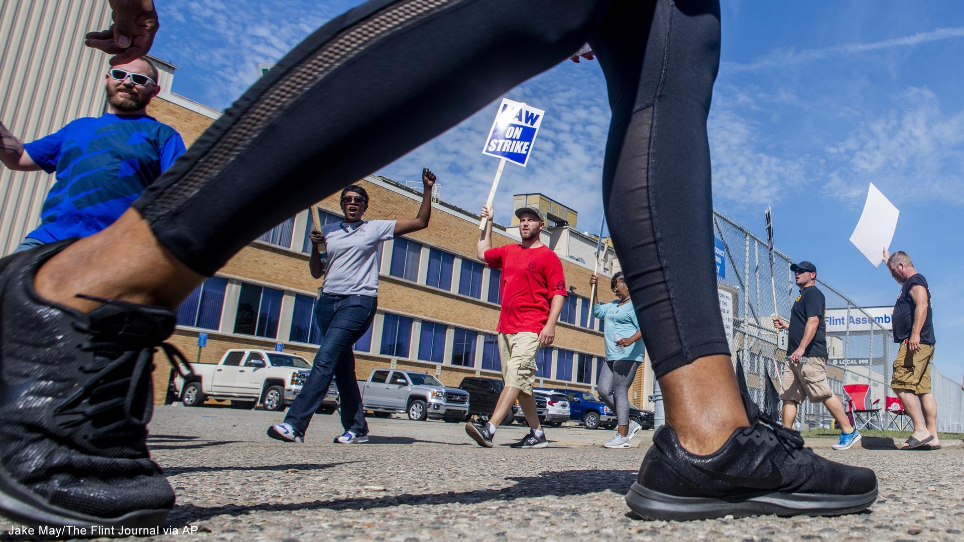 UAW GM strike Flint