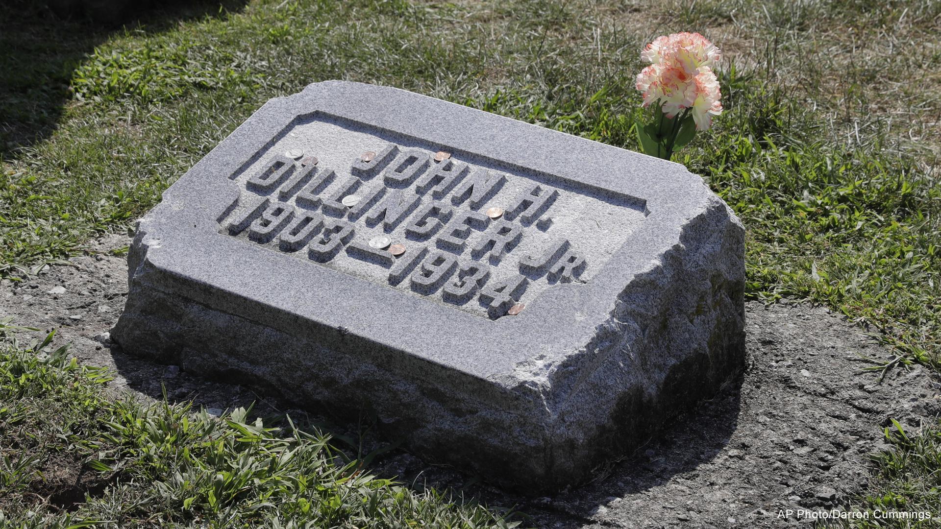 john dillinger gravestone