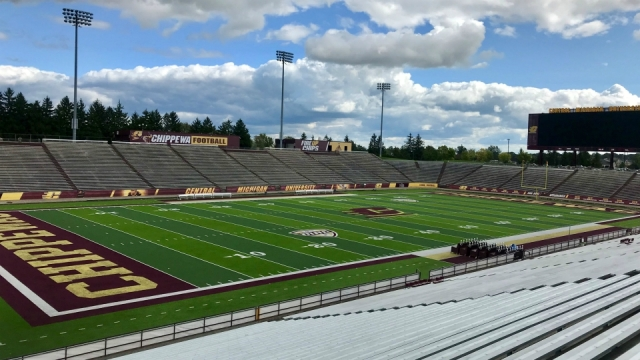 Lewis carries Central Michigan past New Mexico State