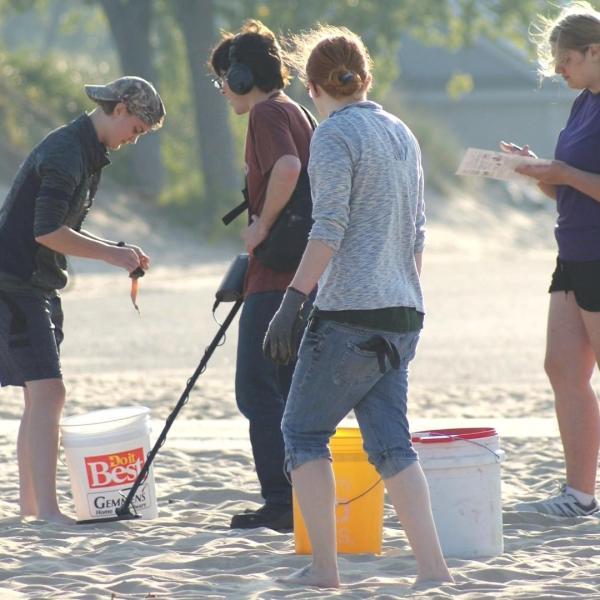 hudsonville beach trash cleanup