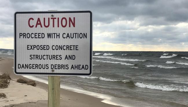 grand haven debris sign