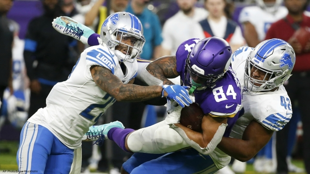 Defense delivers as Vikings sail past Lions