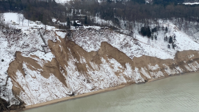 Lake Michigan 5 inches above January record